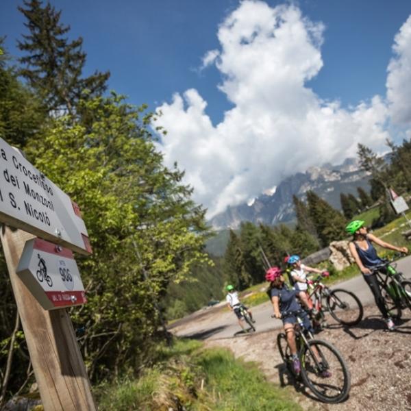 E-Bike-Tour in den Bleichen Bergen